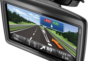tomtom via 125 review